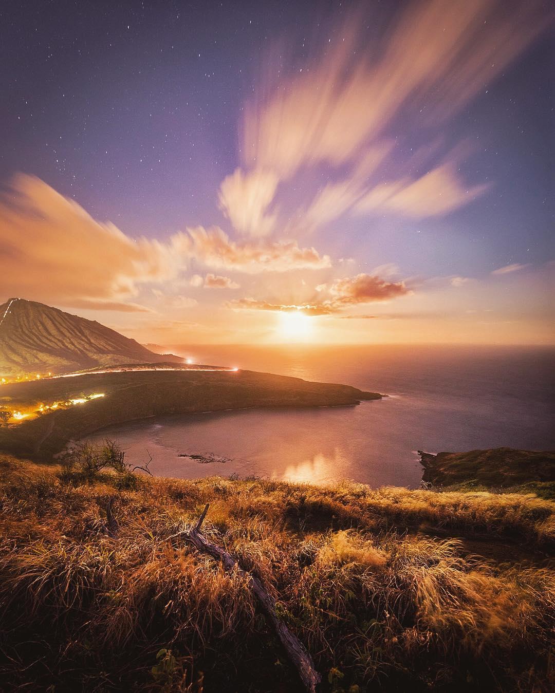 Hike the Hanauma Bay Rim Trail - Best Things to Do in East Oahu