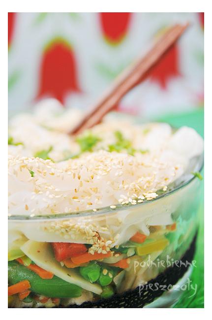Azjatycka sałatka z olejem rzepakowym