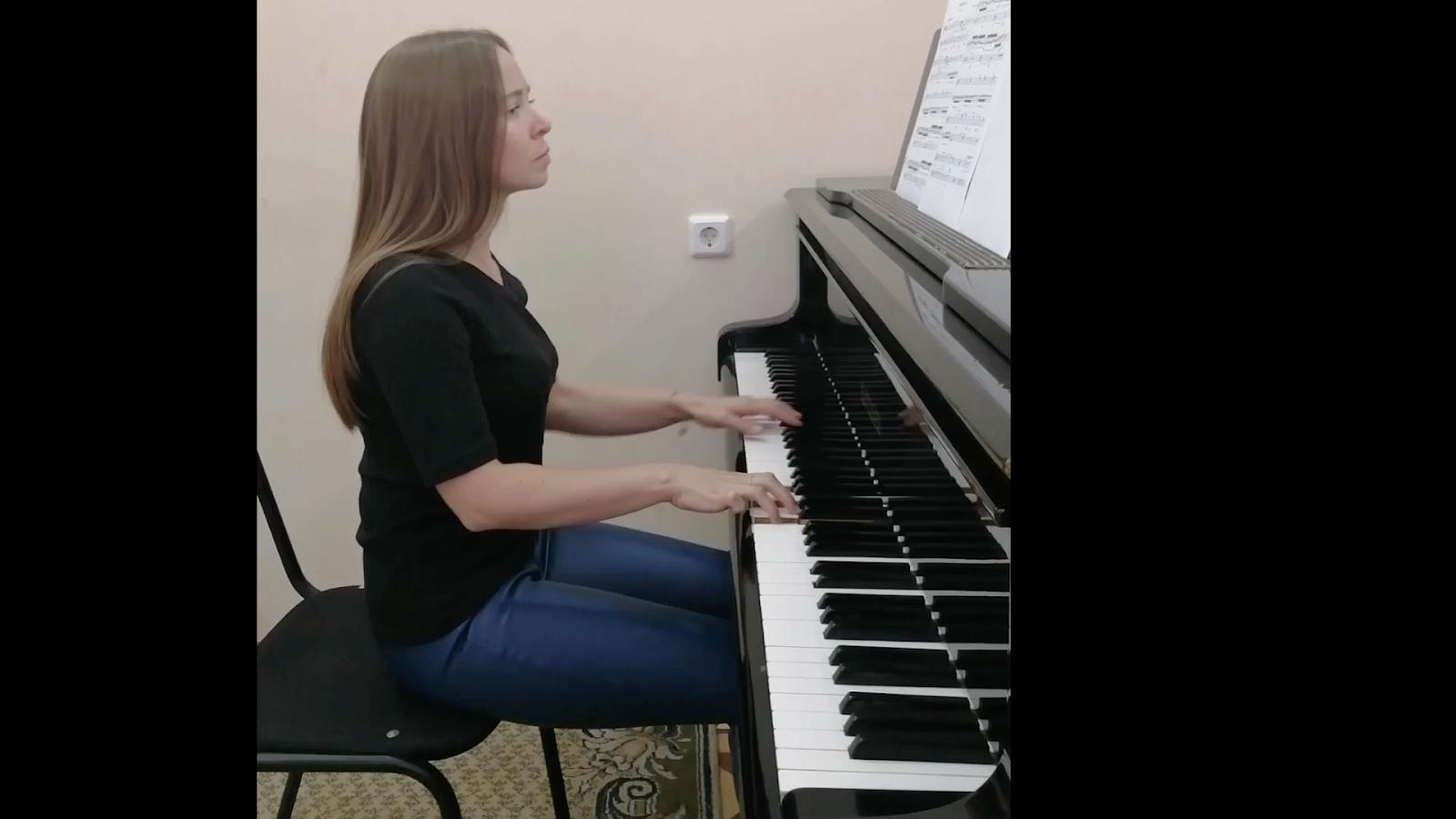 مسحور آهنگساز کوشا میرزایی پیانیست آنا سوروکینا