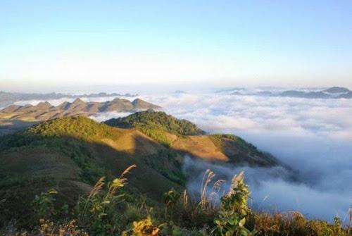 Lên núi săn mây