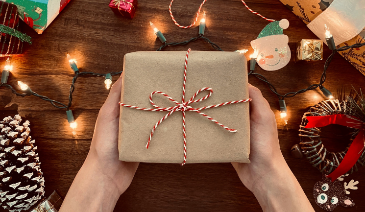 The Surprising Health Benefits Of Giving Gifts to Loved Ones