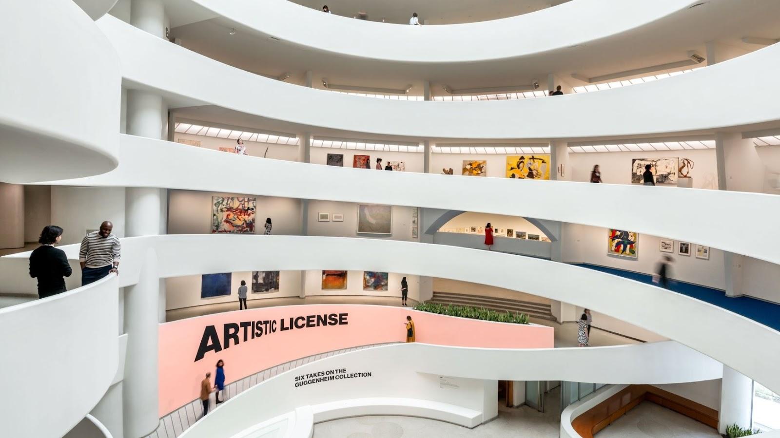 Interior museum seni rupa Guggenheim karya Wright - source: guggenheim.org