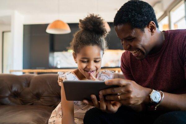 Montessori là cầu nối giúp ba mẹ gần con cái hơn