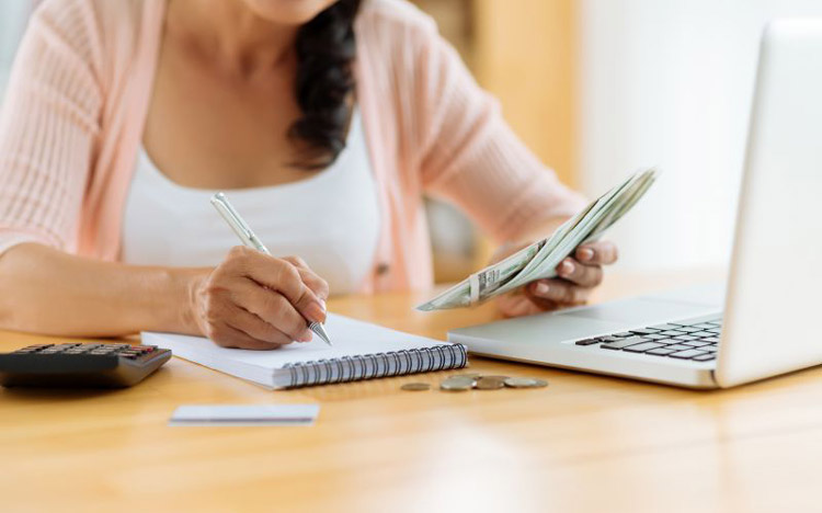 xây dựng nền tảng tài chính vững chắc cho gia đình và bản thân