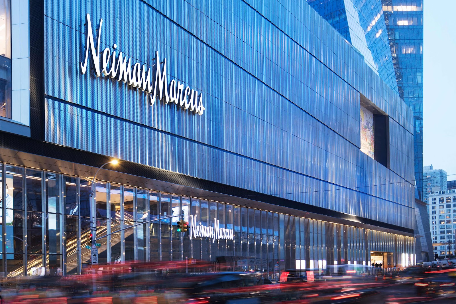 Neiman Marcus to File for Bankruptcy as Soon as This Week-Sources
