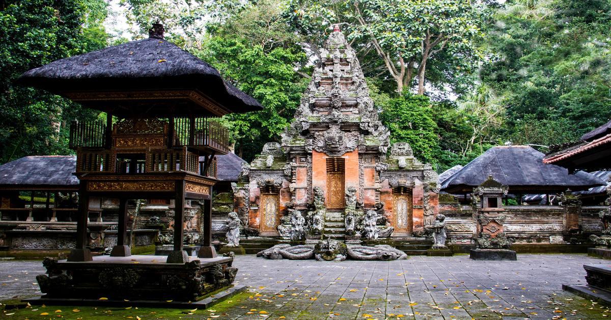 Ancient-Temples-at-Bali-honeymoon