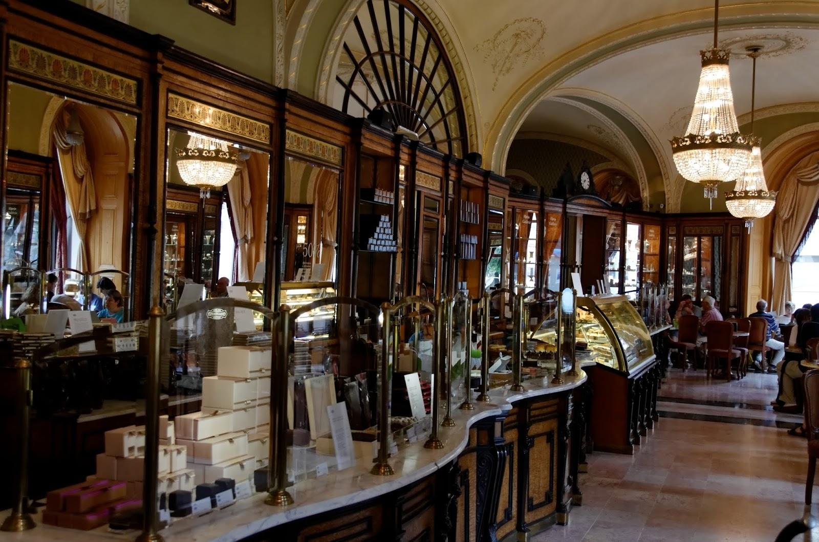 Café_Gerbeaud_Budapest.jpg