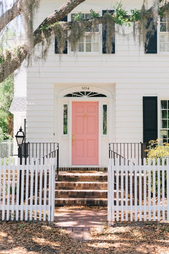 White on white - 5 Rules to Choosing an Exterior Colour Scheme