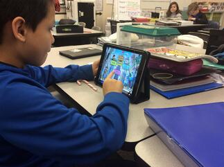 Photo of How to Choose the Right Biliteracy Technology for Your English Learners