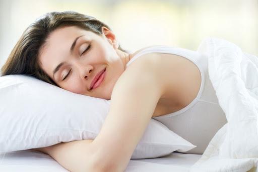 ngủ đủ giấc để ngăn ngừa lão hóa