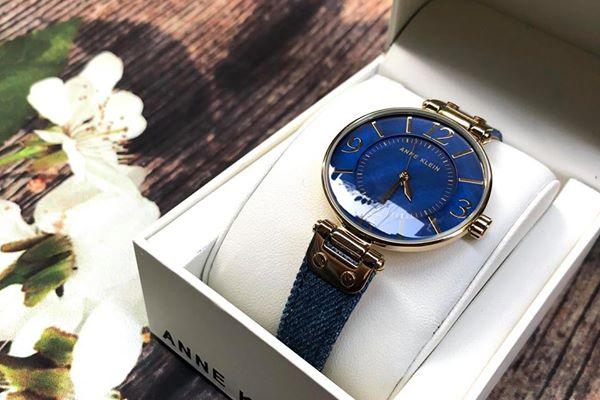 Mua đồng hồ Anne Klein nữ màu xanh ở đâu? Giá bao nhiêu?