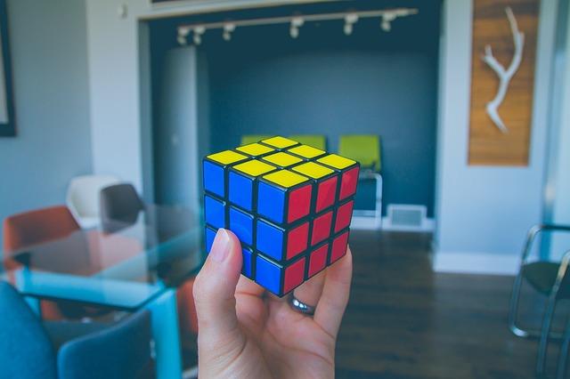 rubiks-cube-2563445_640.jpg
