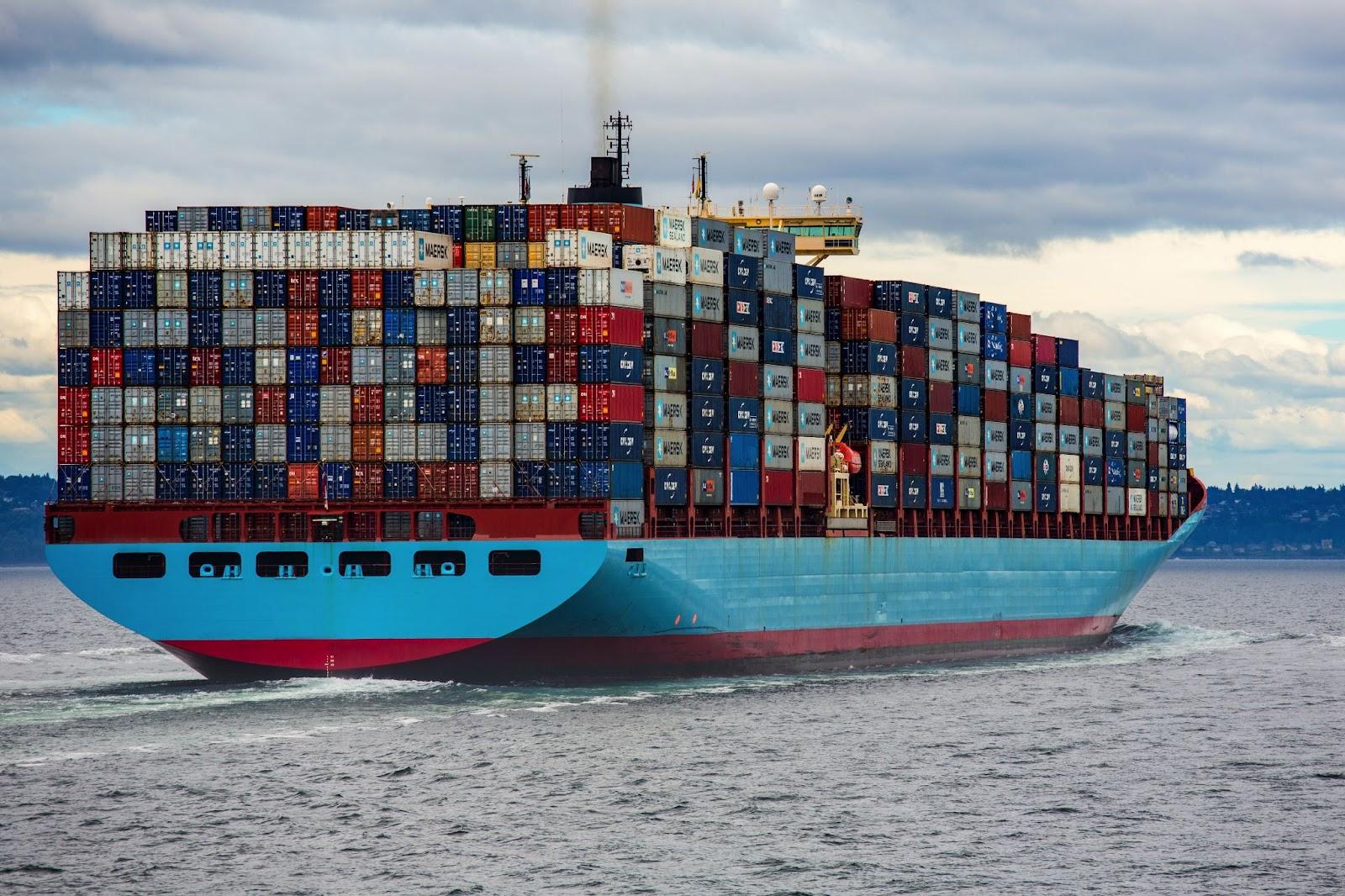 Schiffsverkehr ist eine Ursache für Unterwasserlärm.