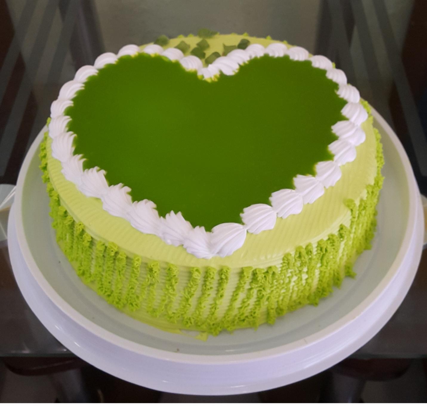 Nên mua loại bánh kem trà xanh nào trong ngày sinh nhật?