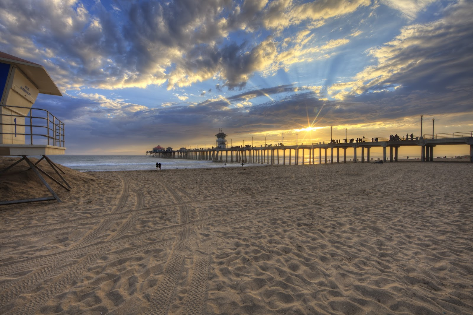 Huntington Beach Pier Sunset 14.jpg