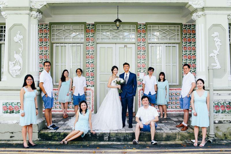 wedding photo outside shophouse