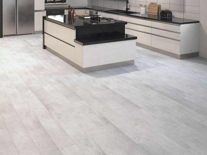 Lantai dapur dengan papan vinyl - source: ctm.co.za