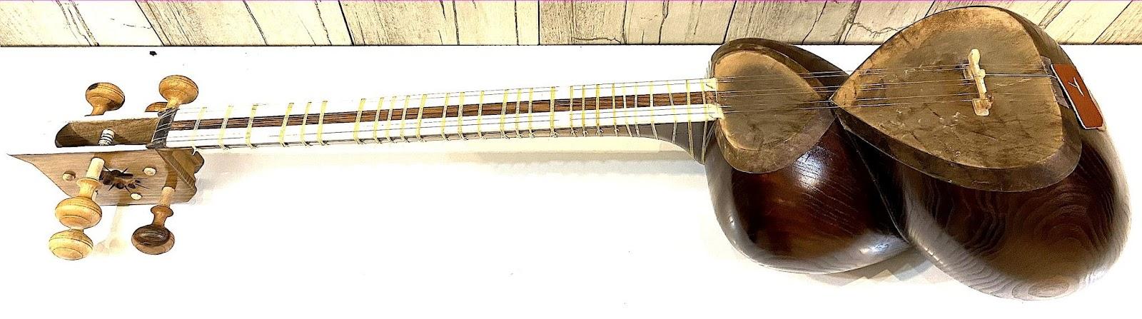 ساز تار سیاوشانی یک مهر با جعبه