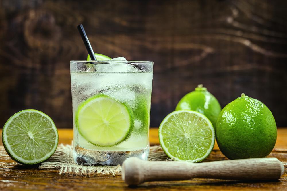 Tropical Cocktails for Summer - Caipirinha