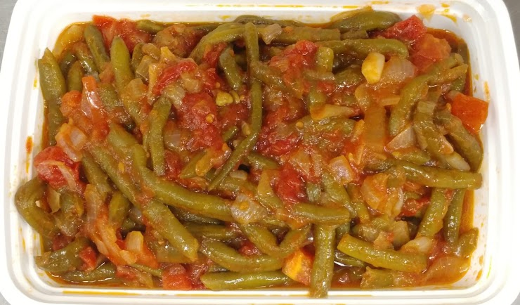 Loubbie - Braised Green Beans with Tomatoes and Onions. Makes a hreat combo with Bulgur pilaf.  (Vegan, GF)