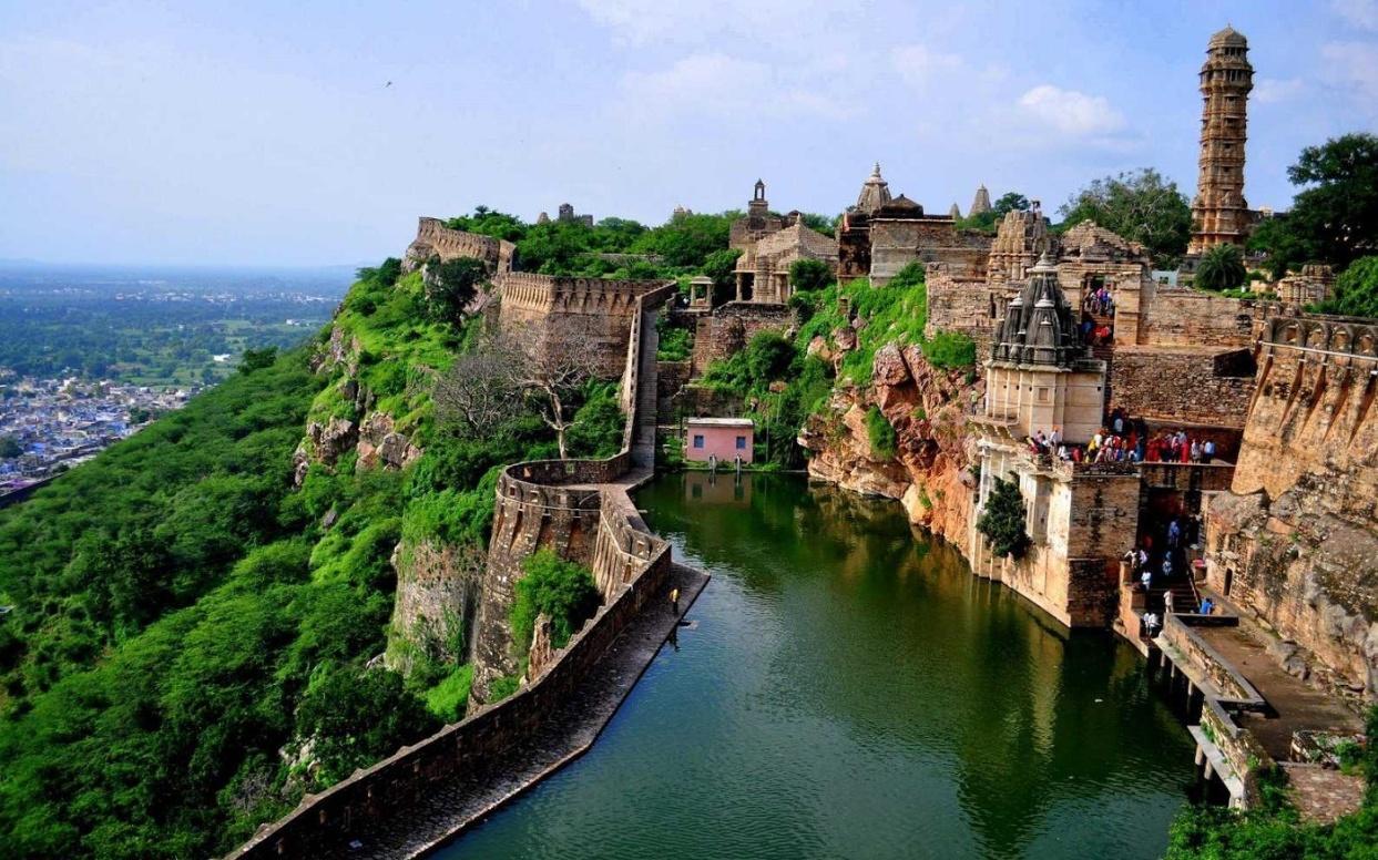 Gaumukh-River-Chittorgarh-Fort.jpg