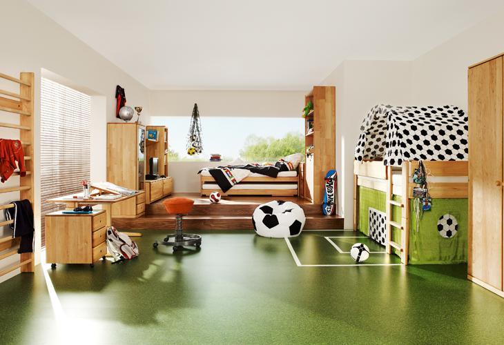 https://cdn.homedit.com/wp-content/uploads/2010/11/green-sport-themed-room.jpg