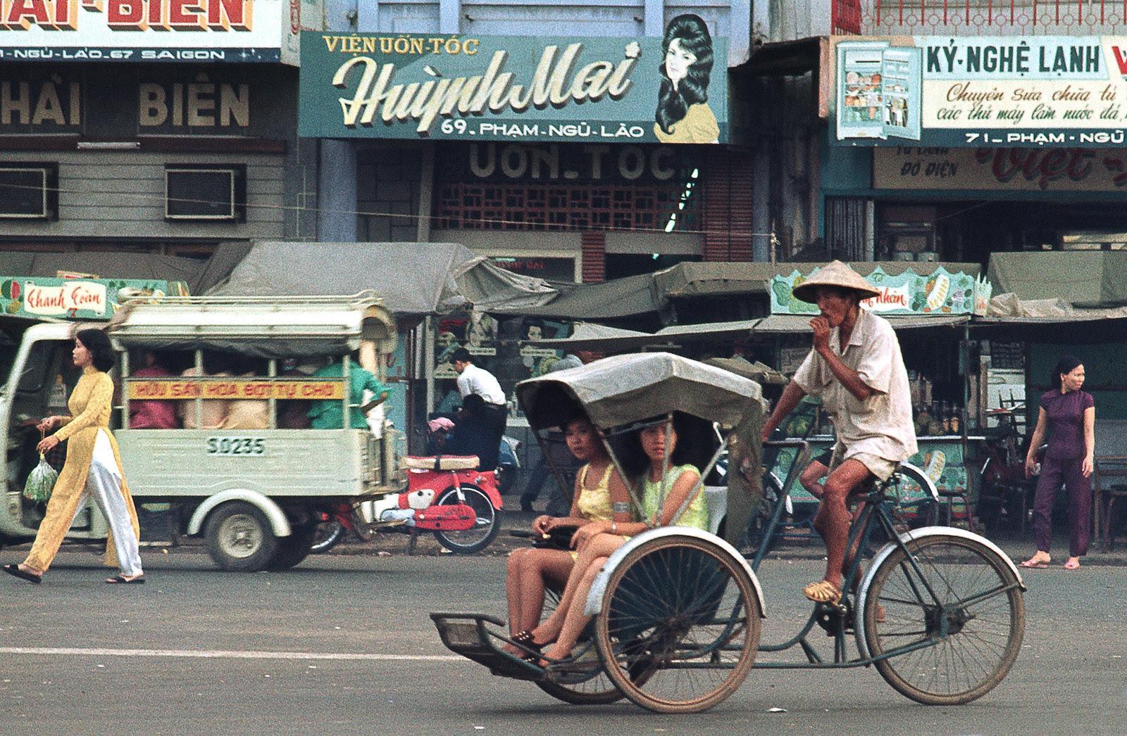 60 tấm ảnh màu đẹp nhất của đường phố Saigon thập niên 1960-1970 - 27