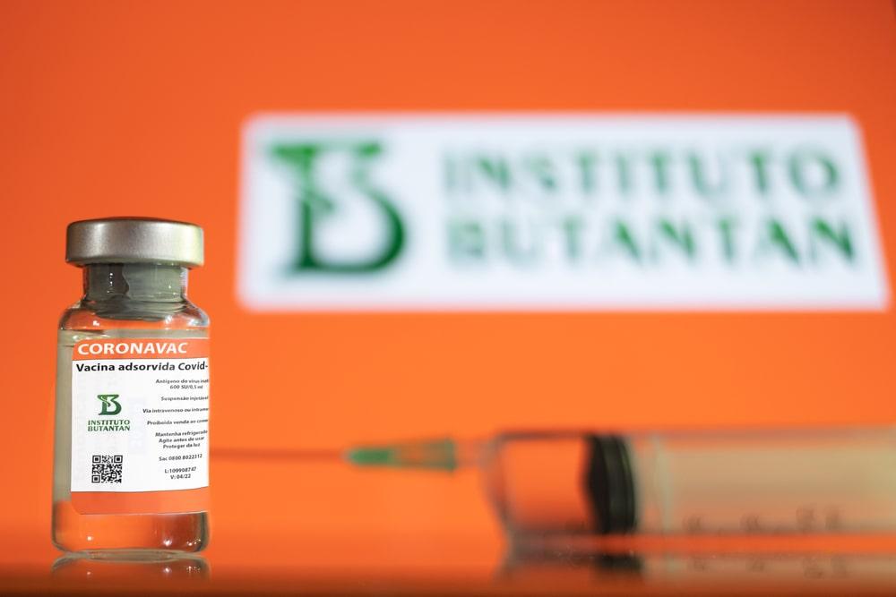 CoronaVac deve ser o imunizante utilizado no Brasil de forma emergencial. (Fonte: Shutterstock)