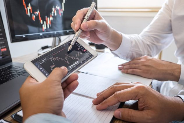 Trading CFD melalui aplikasi di smartphone