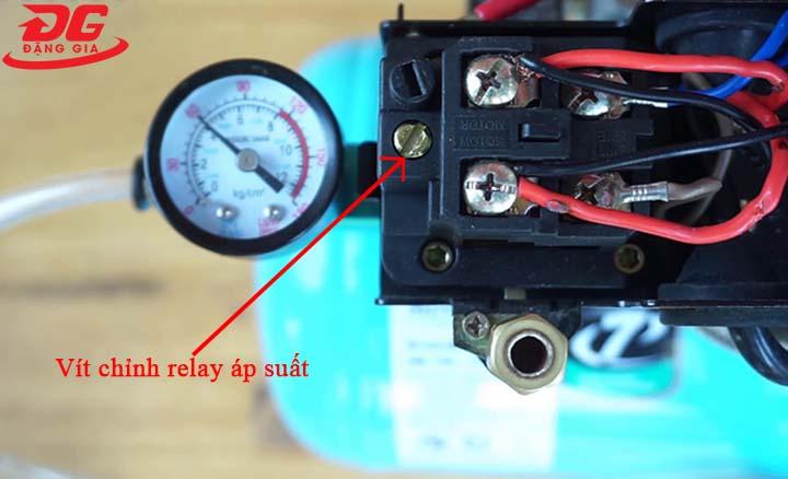 Thực hiện hiệu chỉnh relay áp suất theo nhu cầu sử dụng