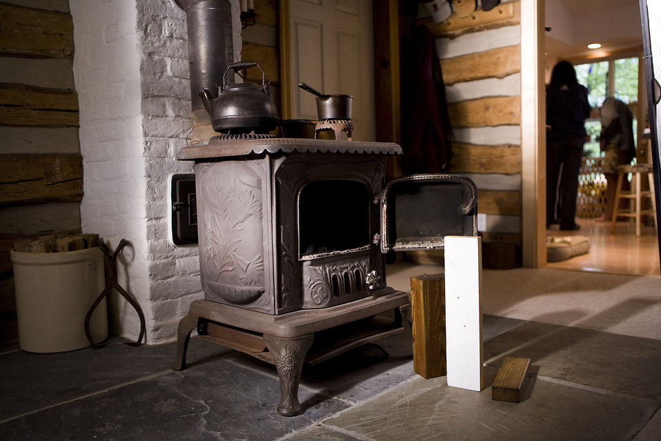 16955-a-wood-burning-stove-in-a-home-pv.jpg