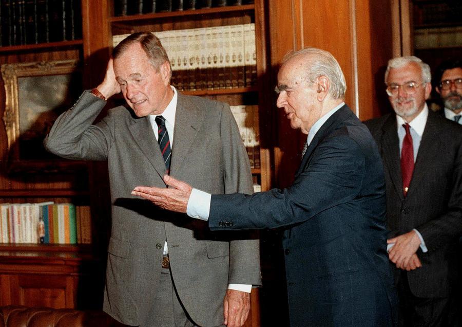 Αποτέλεσμα εικόνας για Τζορτζ Μπους κωνσταντίνος καραμανλης