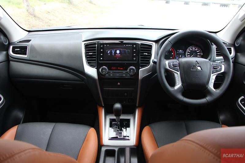 ดีไซน์ภายในรถยนต์ : Mitsubishi Triton Athlete 4WD