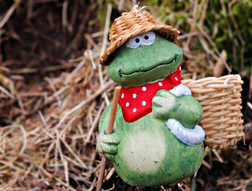 Фигура для сада - лягушка