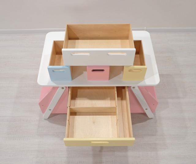 Детский стол розовый