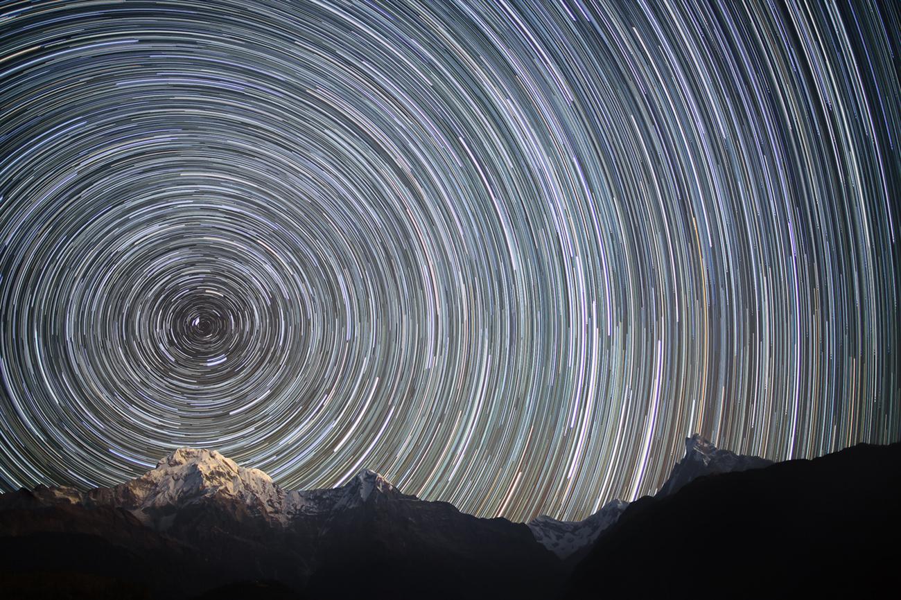 File:Earth Rotation (Nepal, Himalayas).jpg - Wikimedia Commons
