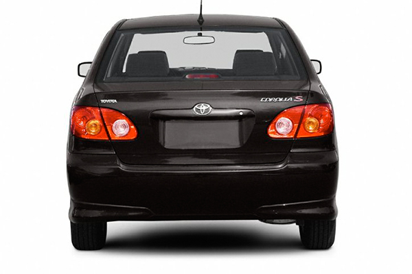 rear-end-of-the-Toyota-Corolla-2003