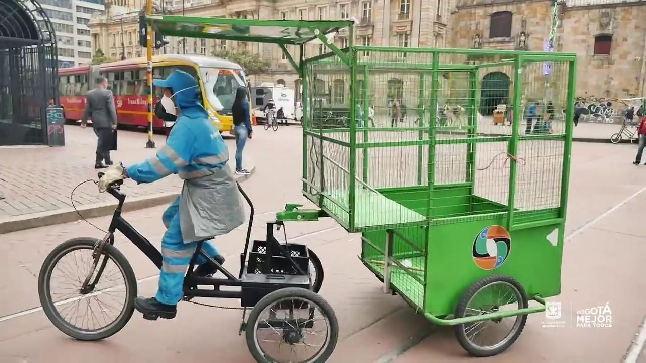 Sabes cómo funcionan los triciclos recolectores de basura de La ...