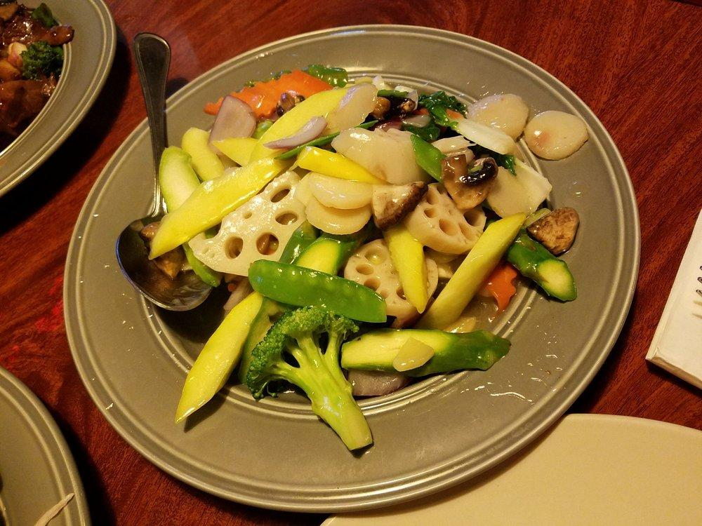 Photo of New Oceanic Restaurant - Livermore, CA, United States. Mixed Vegetables Plate