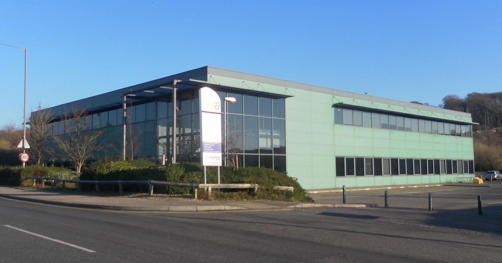 Exion_27_Building,_Hollingbury_Industrial_Estate,_Brighton_(December_2012).JPG