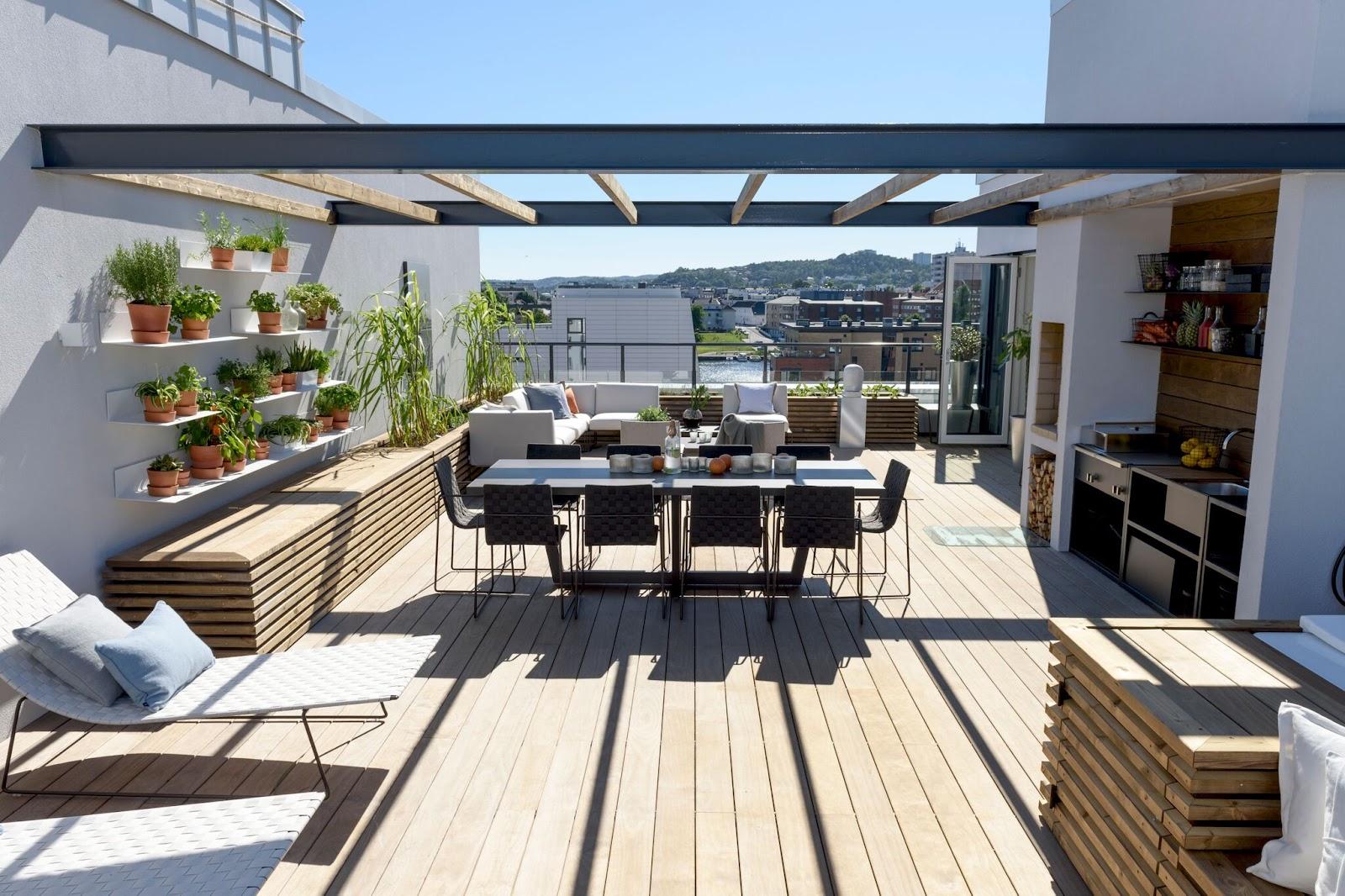 Vedlikeholdsfrie terrassebord brukt på en takterrasse