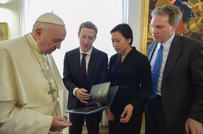 Pope Francis meets with Facebook co-founder and CEO Mark Zuckerber and his wife Priscilla Chan at the Vatican Aug. 29, 2016. Credit: L'Osservatore Romano.