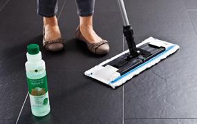 CELENIO fugtig pleje til dit gulv.