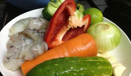 Món ngon giảm cân với salad miến tôm thanh mát