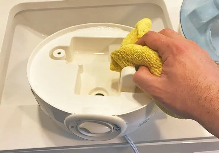 vicks humidifier cleaning