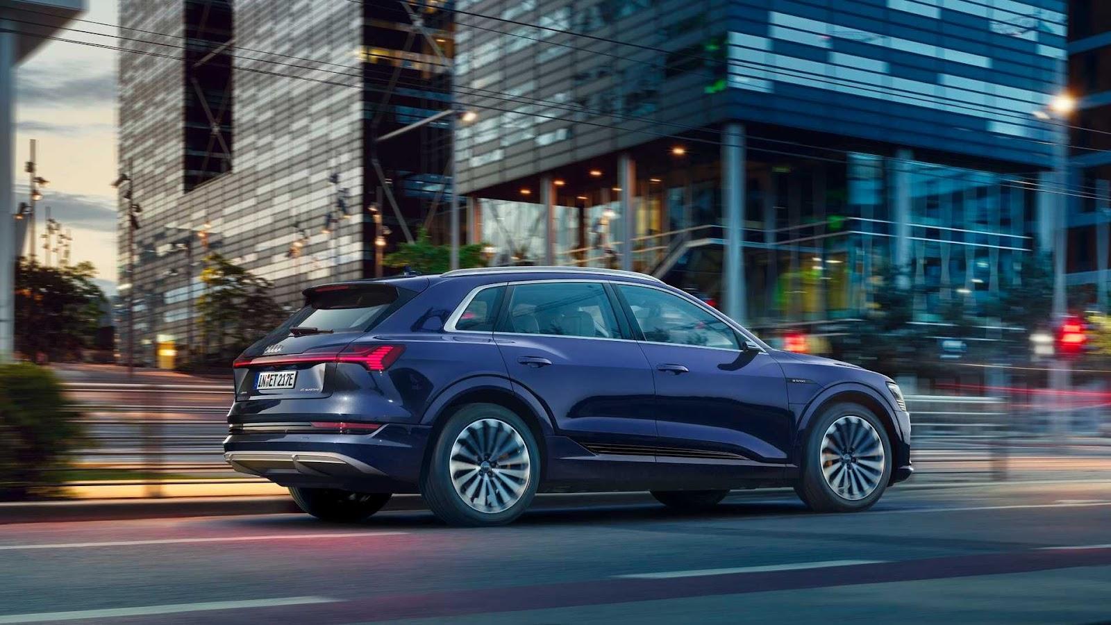 Audi e-tron foi o carro elétrico mais vendido no Brasil em 2020 (Imagem: Audi/Divulgação)