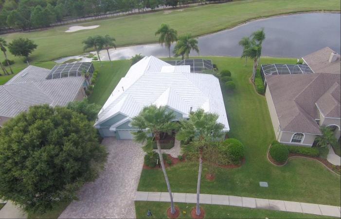 neighborhood on golf course in Westchase, FL