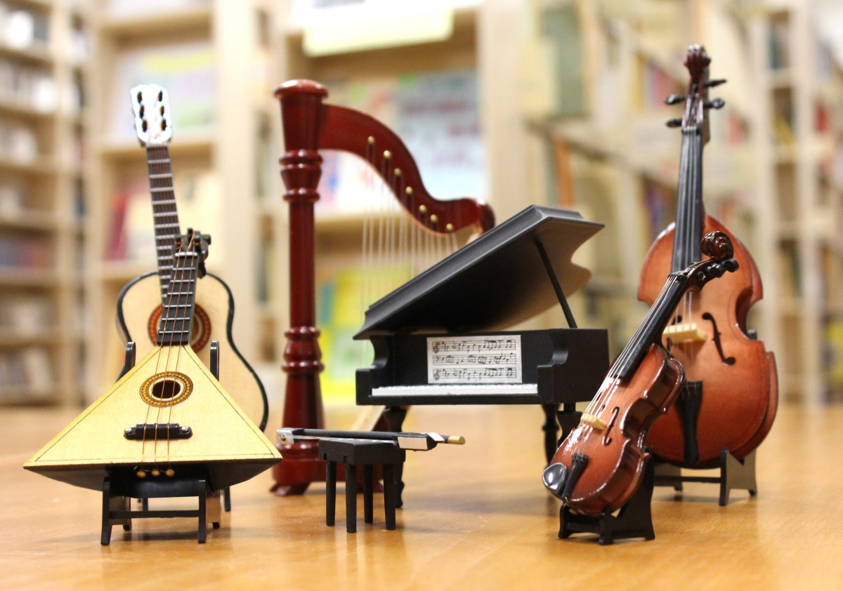 guitar acoustic guitar concert piano musical instrument percussion violin orchestra harp bow balalaika cello drums bass guitar grand piano double bass string instrument bowed string instrument violin family plucked string instruments viol