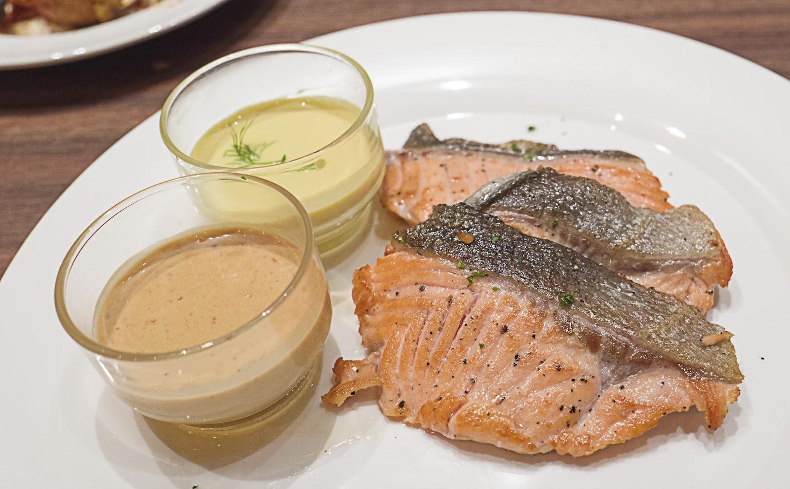 f-salmon-L1100587.jpg
