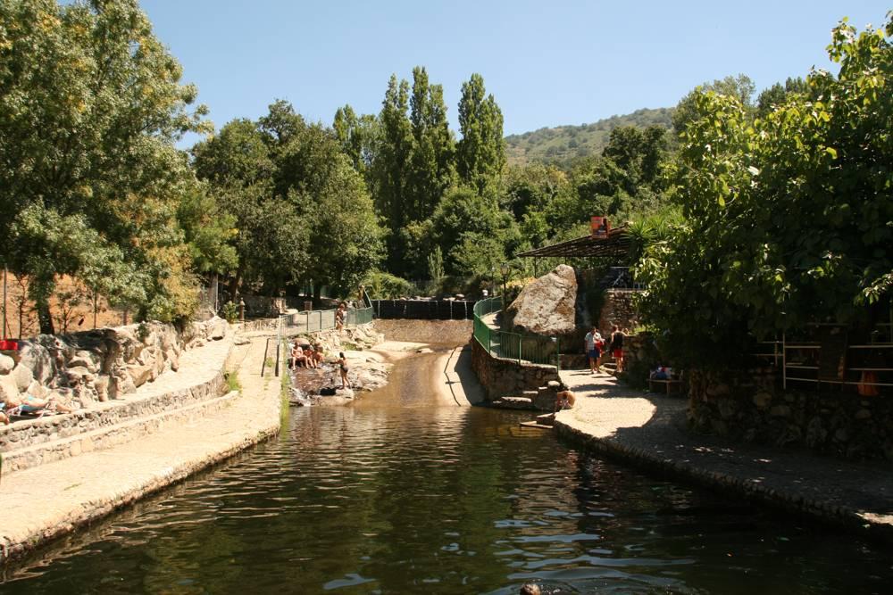 Este es uno de los chiringuitos al lado de una de las piscinas naturales 🧐